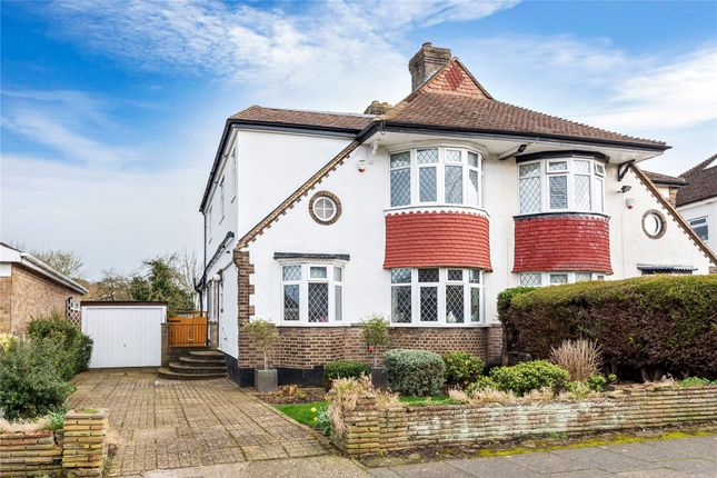 4 bedroom detached house for sale in South Walk, West Wickham