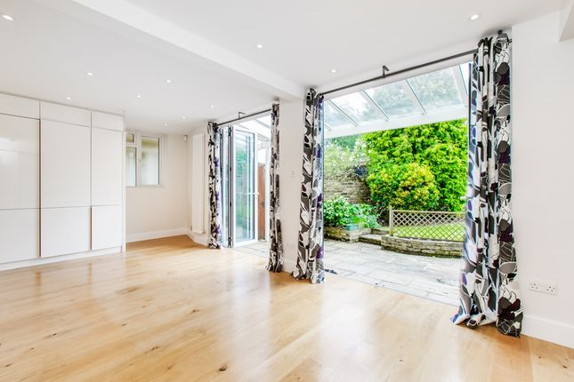 Thumbnail Semi-detached house to rent in Firs Avenue, London
