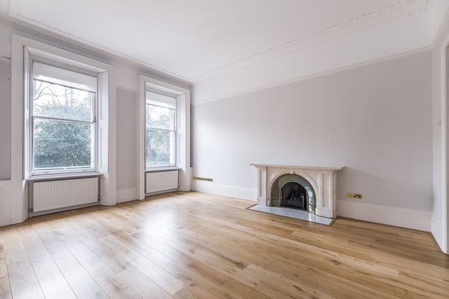 Thumbnail Flat to rent in Queen's Gate Gardens, London