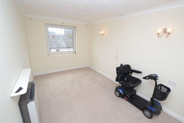 Bedroom of Hengist Court, Maidstone ME14
