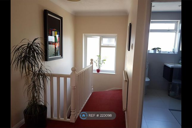 Thumbnail Maisonette to rent in Hilldale Road, Sutton