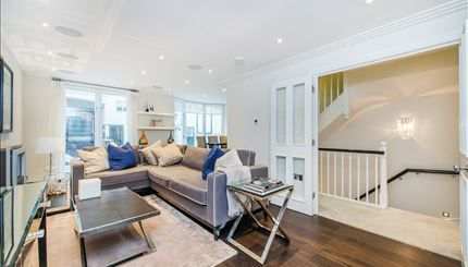 Thumbnail Town house to rent in Peony Court, London