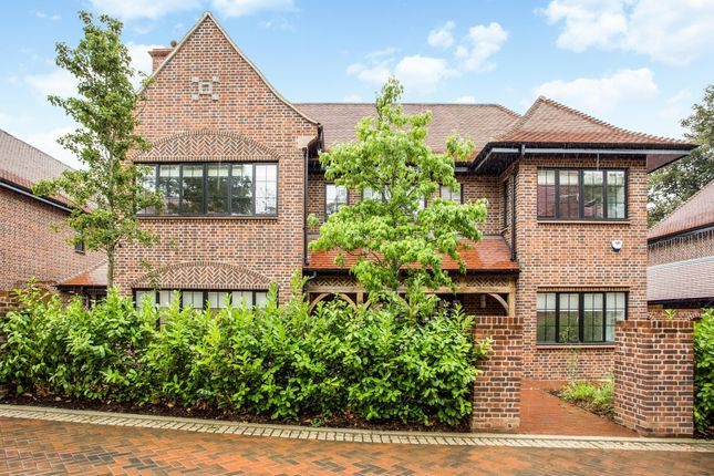 Thumbnail Property to rent in Chandos Way, Wellgarth Road, London