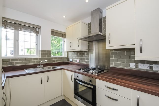 Thumbnail Flat to rent in Elmdale Road, Tyndalls Park, Bristol