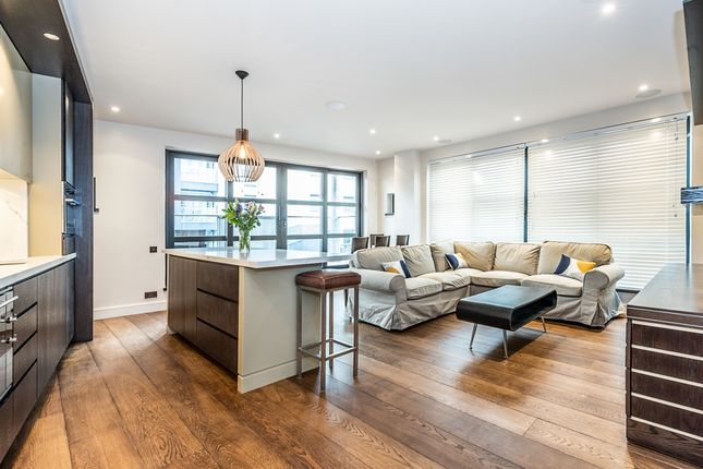Thumbnail Flat to rent in Wandsworth High Street, London