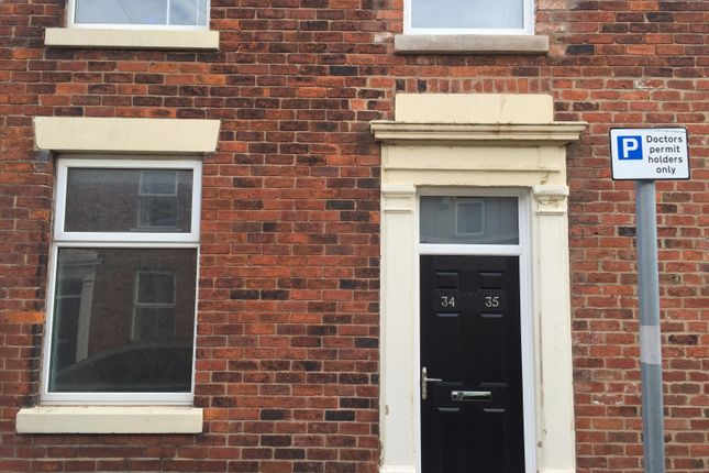 Thumbnail Flat to rent in Ashton Street, Ashton-On-Ribble, Preston, Lancashire