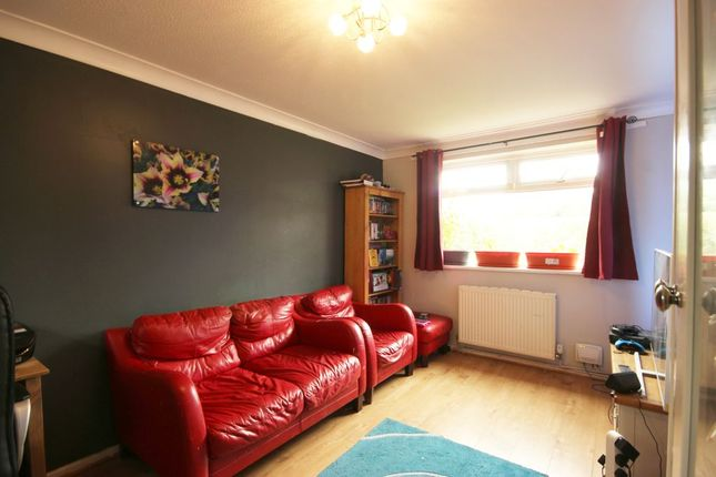 Lounge of Hopwood Close, Hull HU3
