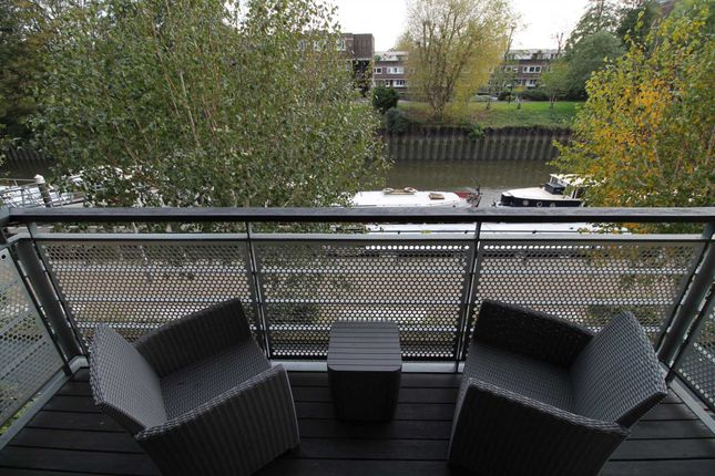 Flat for sale in Point Wharf Lane, Brentford