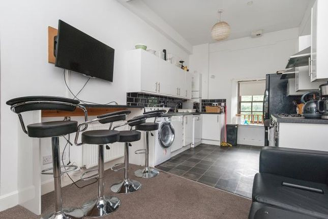 Thumbnail Flat to rent in Candlemaker Row, Edinburgh