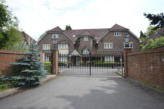 Thumbnail 2 bed flat for sale in Babylon Lane, Lower Kingswood, Tadworth