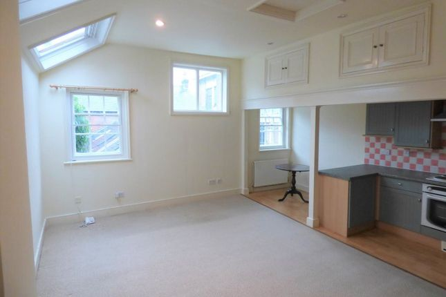 Thumbnail Flat to rent in North Street, Lewes