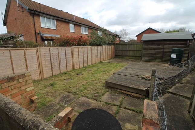 Thumbnail Property for sale in Waterlow Close, Newport Pagnell, Buckinghamshire