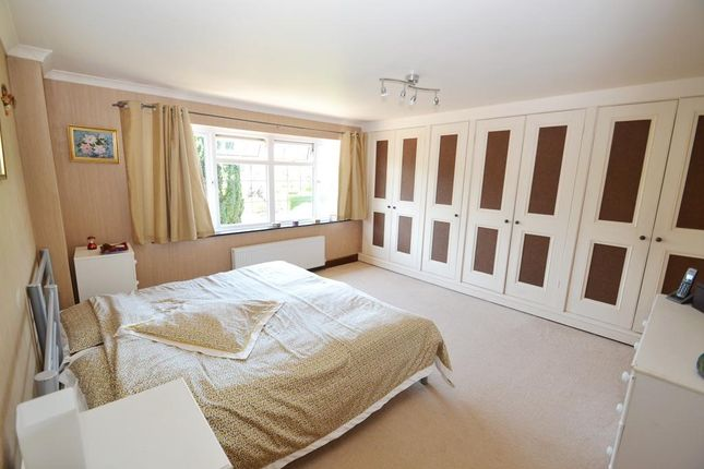 Photo 13 of Third Avenue, Charmandean, Worthing, West Sussex BN14