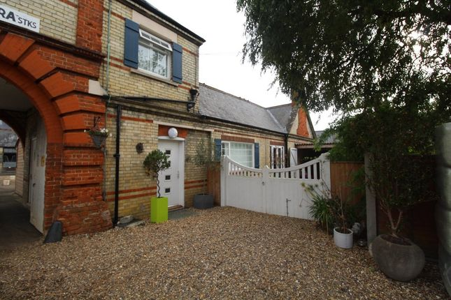 Thumbnail Farmhouse to rent in Chapel Street, Exning, Newmarket