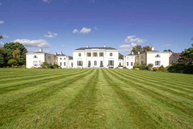 Thumbnail Property for sale in Digswell House, Monks Rise, Welwyn Garden City
