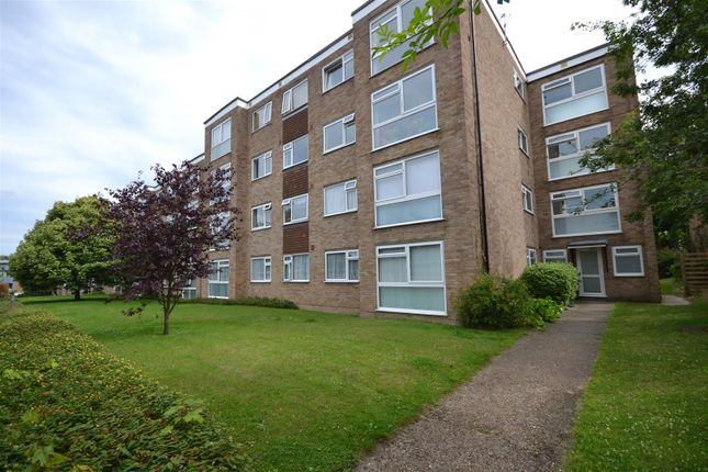 Thumbnail Flat for sale in Sherwood Park Road, Sutton