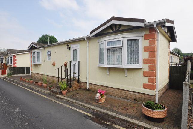 Thumbnail Mobile/park home for sale in First Avenue, Kingsleigh Park Homes, Benfleet