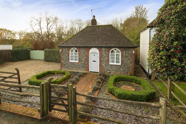 Main Picture of Chapel Cottage, Kingsdown Road, Lynsted ME9