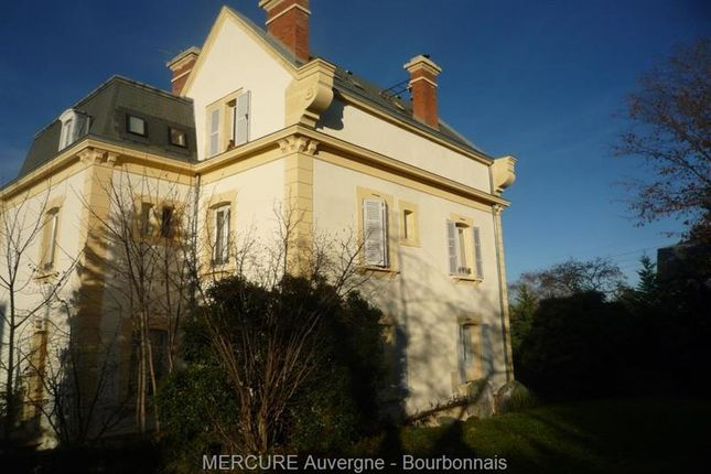 Thumbnail Property for sale in Royat, Auvergne, 63130, France