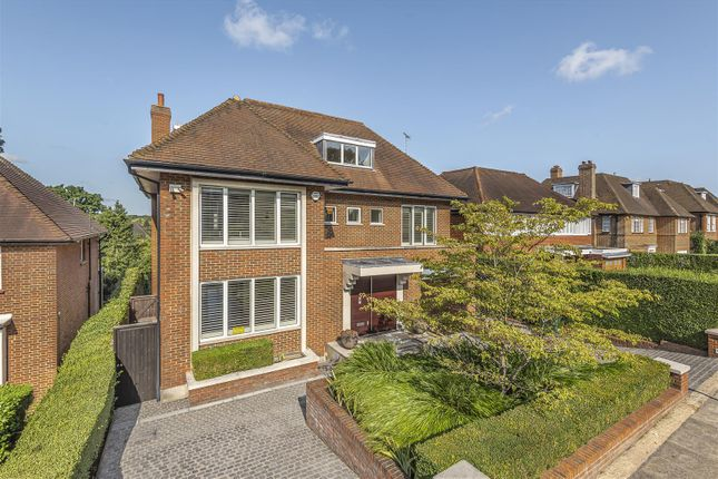 Thumbnail Property to rent in Church Mount, Hampstead Garden Suburb