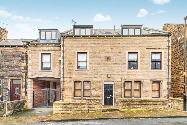 3 bed flat to rent in Zoar Street, Morley, Leeds LS27