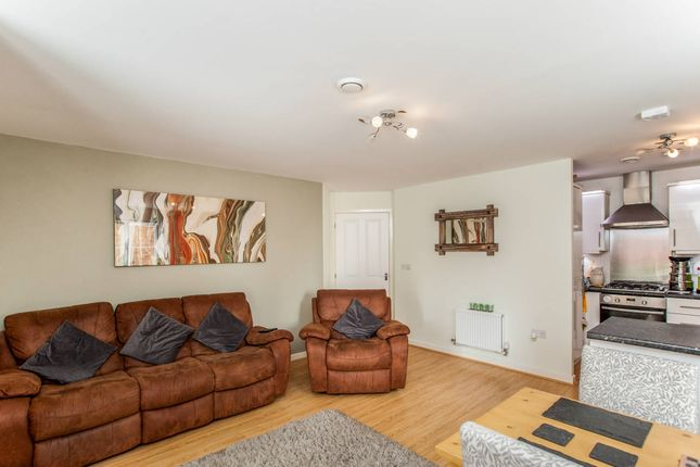 Thumbnail Flat for sale in Blake Court, 4, Dodd Road, Watford, Hertfordshire