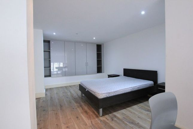 Photo 3 of The Luminaire Apartments, Kilburn High Road, London NW6