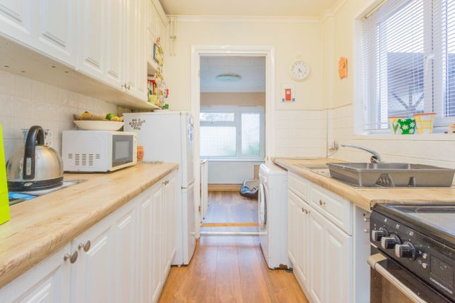 Kitchen of Hayden Avenue, Finedon, Wellingborough NN9
