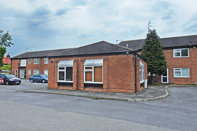 Studio to rent in St Lukes Court, Willerby HU10