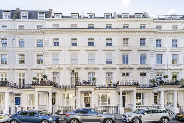 1 bed flat for sale in St. Stephens Gardens, London W2