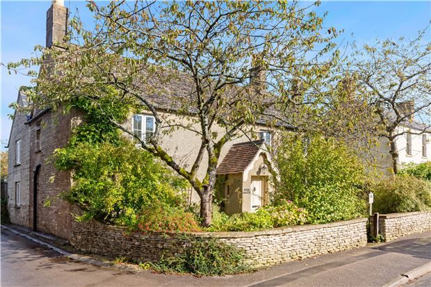 Thumbnail Detached house for sale in Birdlip Farm House, Birdlip, Gloucestershire