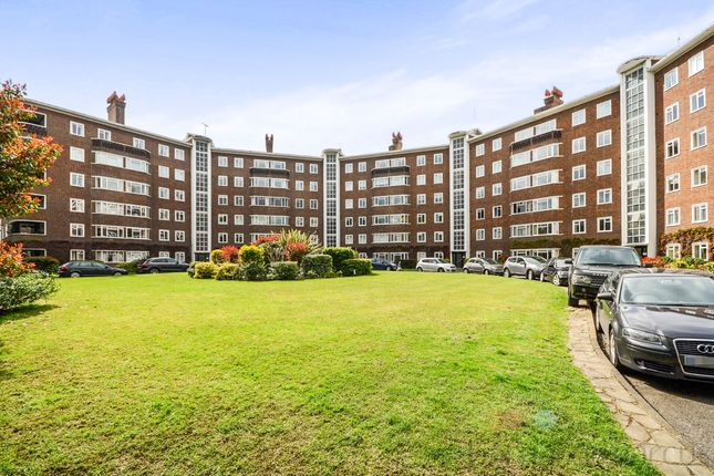 Thumbnail Flat for sale in Queens Road, Richmond