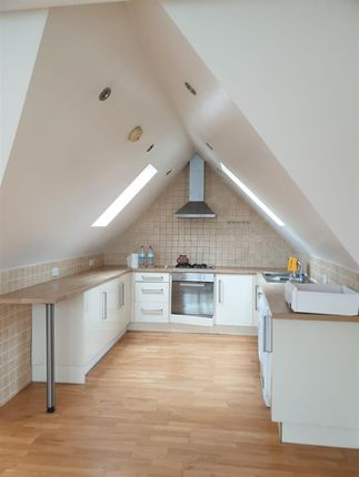 Flat to rent in Whitchurch Lane, Canons Park, Edgware