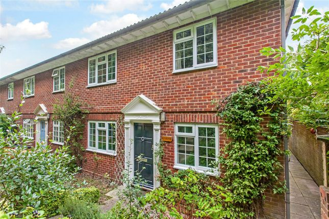 Thumbnail Flat for sale in Dawn Gardens, Winchester, Hampshire
