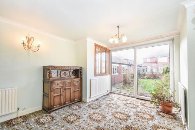 Living Room of Longridge Avenue, Blackpool, Lancashire FY4
