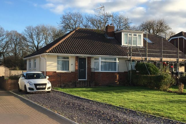 Thumbnail Bungalow to rent in Blackhouse Lane, Burgess Hill