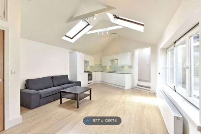3 bed bungalow to rent in Latchmere Road, London SW11