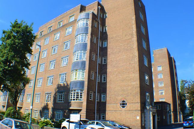 Thumbnail Flat for sale in Wilbury Road, Hove