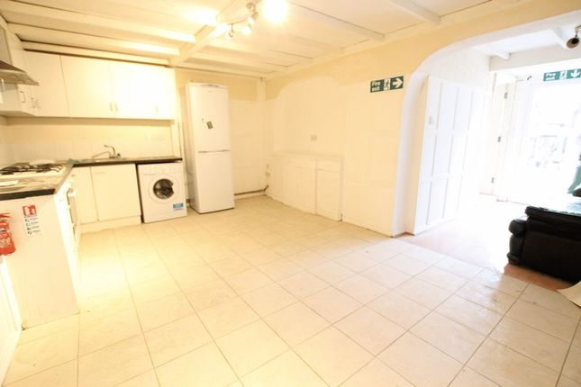 Thumbnail Property to rent in Beatrice Road, London