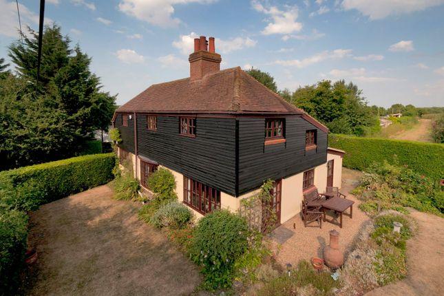 Thumbnail Detached house for sale in Meresborough Road, Rainham, Gillingham