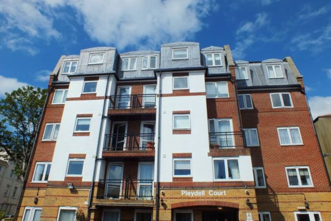 Thumbnail Flat to rent in Pleydell Gardens, Folkestone