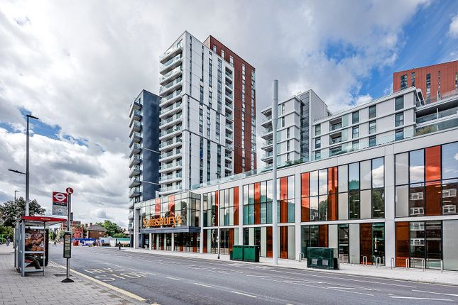 Thumbnail Flat for sale in Pinto Tower Apartments, Wandsworth Road, London