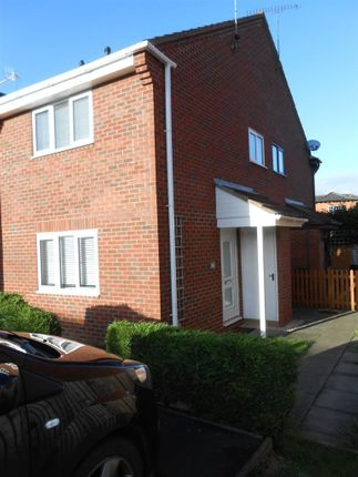 1 bed property to rent in Elmside, Evesham, Worcestershire