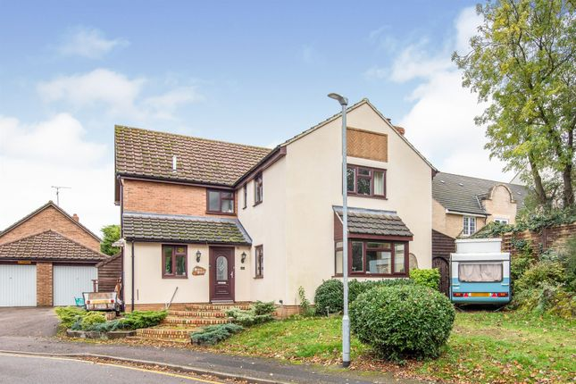 Thumbnail Detached house for sale in Pilgrims Close, Flitwick, Bedford
