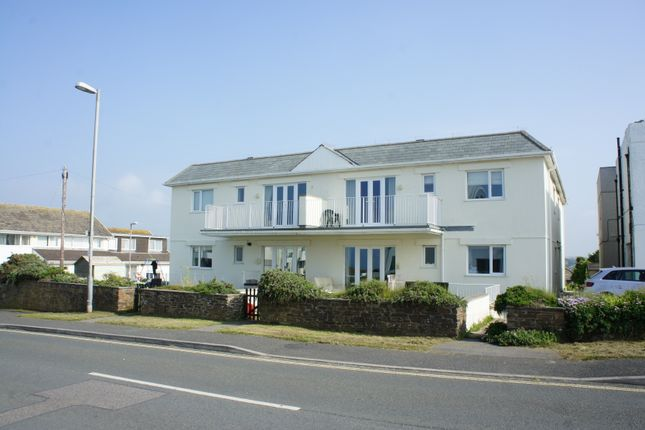 2 bed flat to rent in Pentire Avenue, Newquay