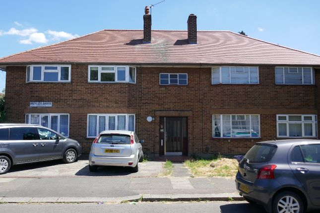 Thumbnail Flat to rent in Huxley Drive, Goodmayes