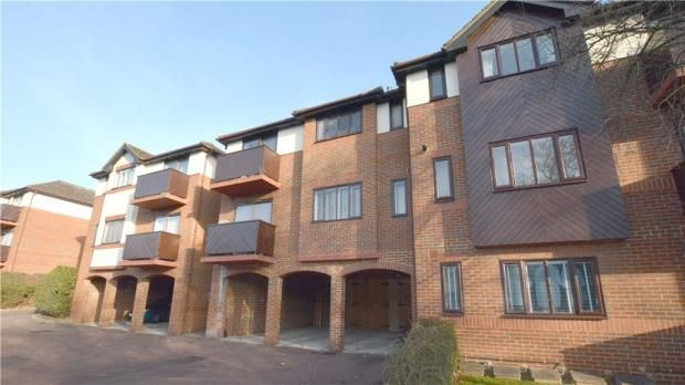 Thumbnail Flat for sale in Litton Court, London Road, Loudwater
