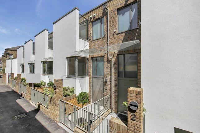 Thumbnail Town house to rent in Highgate Road, Kentish Town