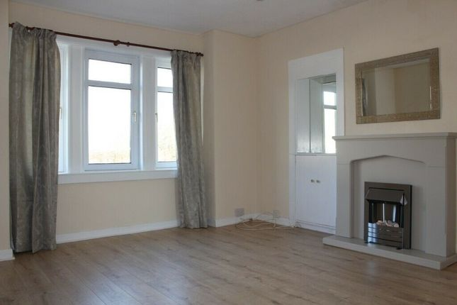 Thumbnail 2 bed flat to rent in High Street, Johnstone, Renfrewshire