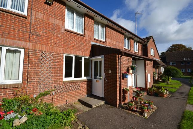 Thumbnail Flat for sale in Richmond Court, Towcester